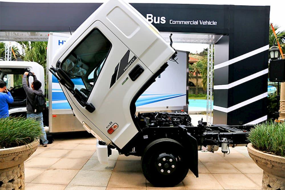 Ngoại thất xe tải Hyundai New Mighty EX 8
